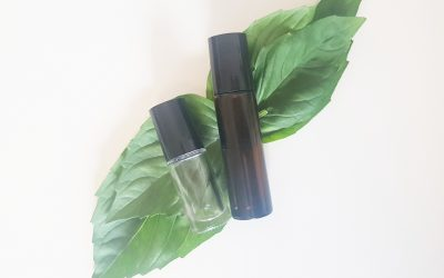 Essential Oils for Bug Bites (With DIY Rollerball Recipe)